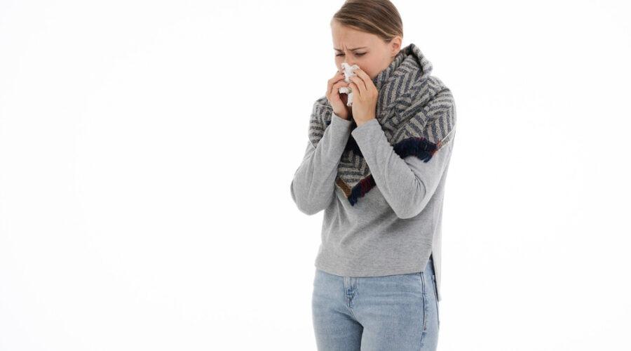 Hoe hou ik mijn fond de teint in orde als ik verkouden ben en veel moet snuiten